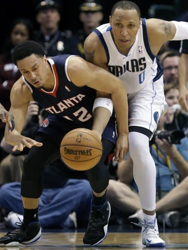 Smith has double-double as Hawks hold of Mavericks