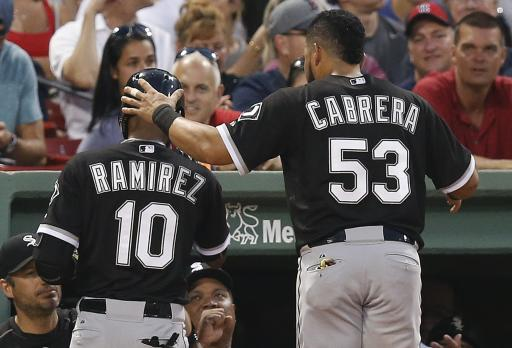 White Sox win 7th straight; beat Red Sox 9-2