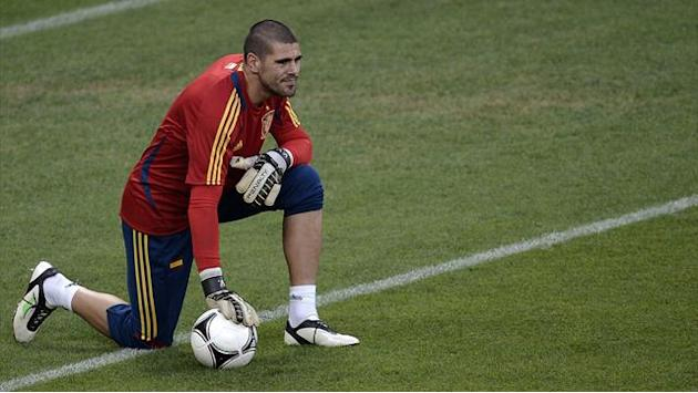 Liga - Barcelona leave door open for Valdes