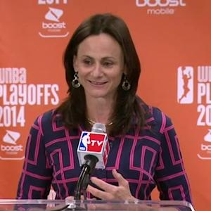 Sandy Brondello Named WNBA COY
