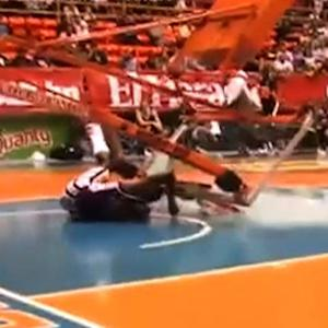Watch: Globetrotter narrowly avoids getting crushed by falling hoop