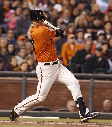 Cain helps Giants beat Hudson and Braves 8-2