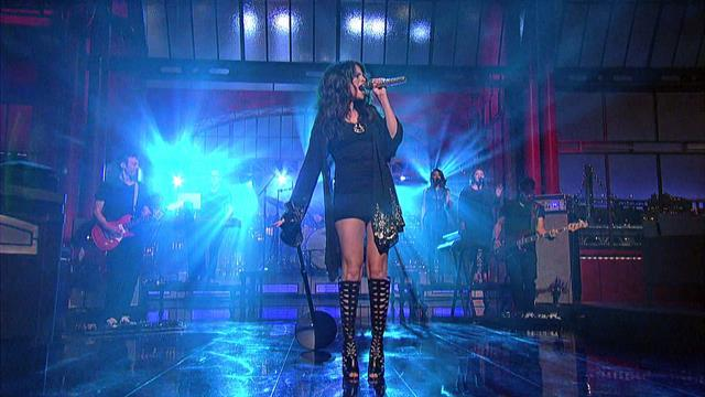 "David Letterman - Selena Gomez Performs ""Come & Get It"""