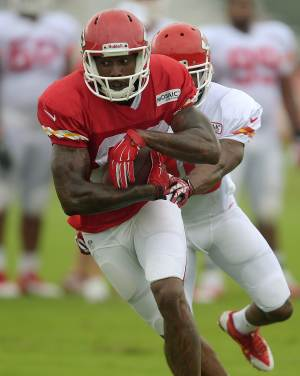 Chiefs WR Bowe suspended for season opener