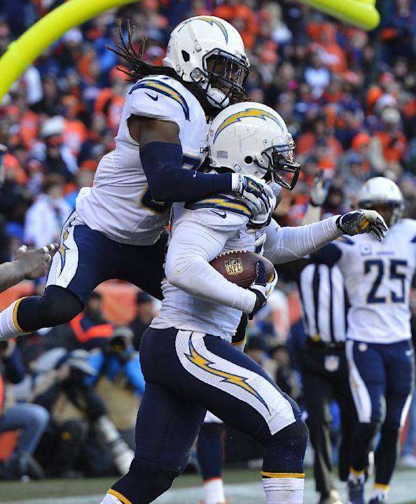 San Diego Chargers Defence: San Diego Chargers Inside Linebacker Donald Butler (56