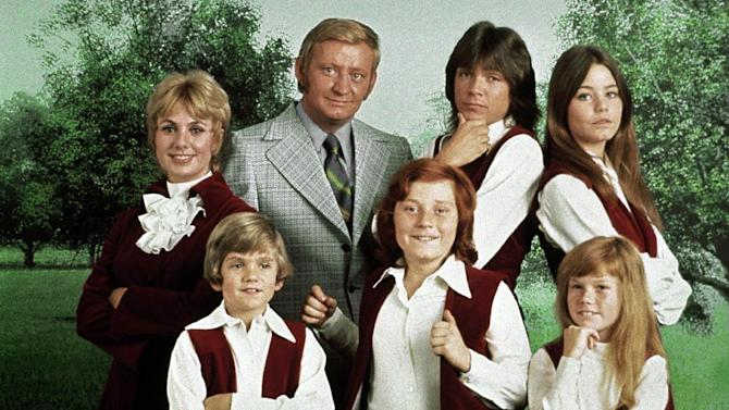"""This 1970 photo released by courtesy of Sony Pictures Television shows, back row, from left, cast members, Shirley Jones, Dave Madden, David Cassidy, Susan Dey, and front row, from left, Brian Forster, Danny Bonaduce and Suzanne Crough of the television series, """"The Partridge Family."""" Madden, who played the child-hating agent on the hit 1970s sitcom, died in Florida on Thursday, Jan. 16, 2014, at age 82. (AP Photo/Copyright CPT Holdings Inc, Courtesy Sony Pictures Television)"""