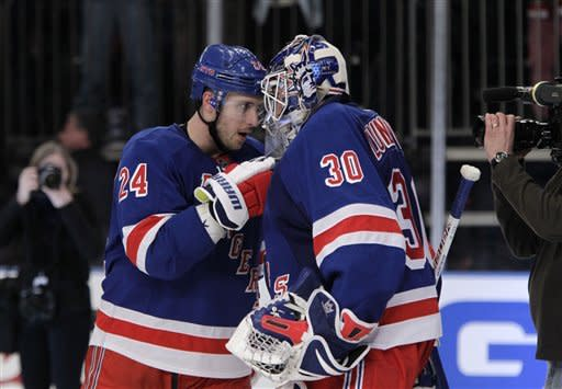 Hagelin, Lundqvist lift Rangers over Devils, 2-0