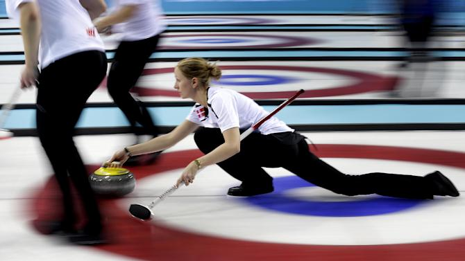 Fast starts for Sweden, Canada in women's curling