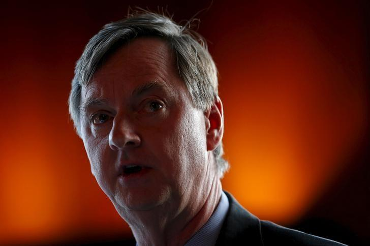 Fed should be explicit in spelling out gradual pace of rate hikes: Evans