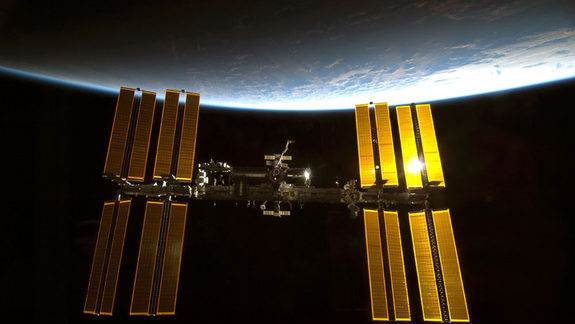 NASA Restores Contact with Space Station