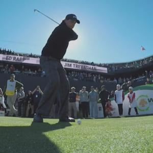 Phil Mickelson sticks tee shot within 15 feet on No. 16 at Waste Management