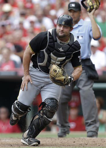 Pirates salvage final game from Reds, 3-2