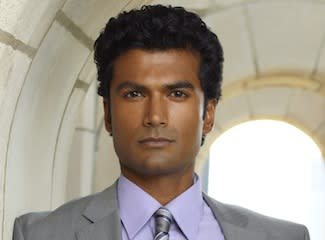 Scoop: Sendhil Ramamurthy Joins Beauty and the Beast as 'Great Antagonist' for Vincent/Catherine