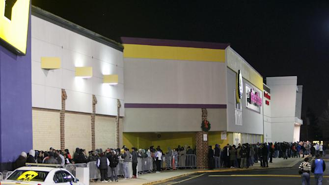 People wait in line, on Thursday Nov 22, 2012, for a Best Buy store in Northeast Philadelphia to open it's doors at midnight. (AP Photo/ Joseph Kaczmarek)
