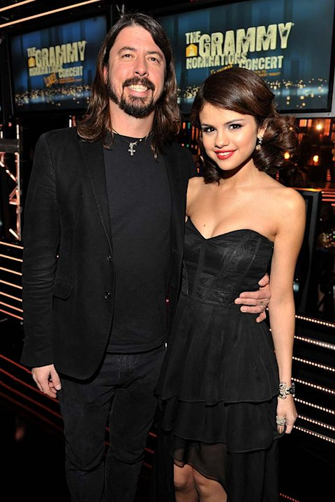 Grohl Gomez Grammy Cncrt