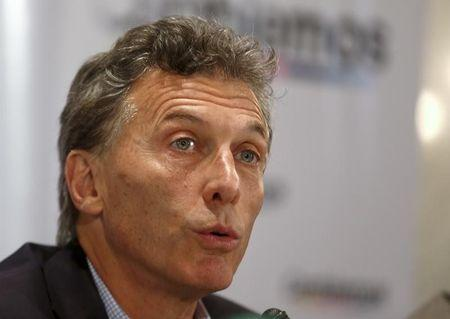 Macri dismisses policy paralysis risk if he wins Argentine presidency