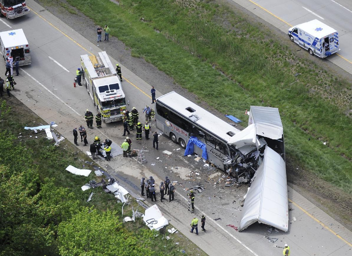 Bus carrying Italian tourists collides with truck, killing 3