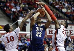 Carter has 23 as Rutgers beats No. 24 Pitt 67-62