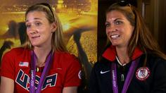 Visa ad honors beach volleyball legends