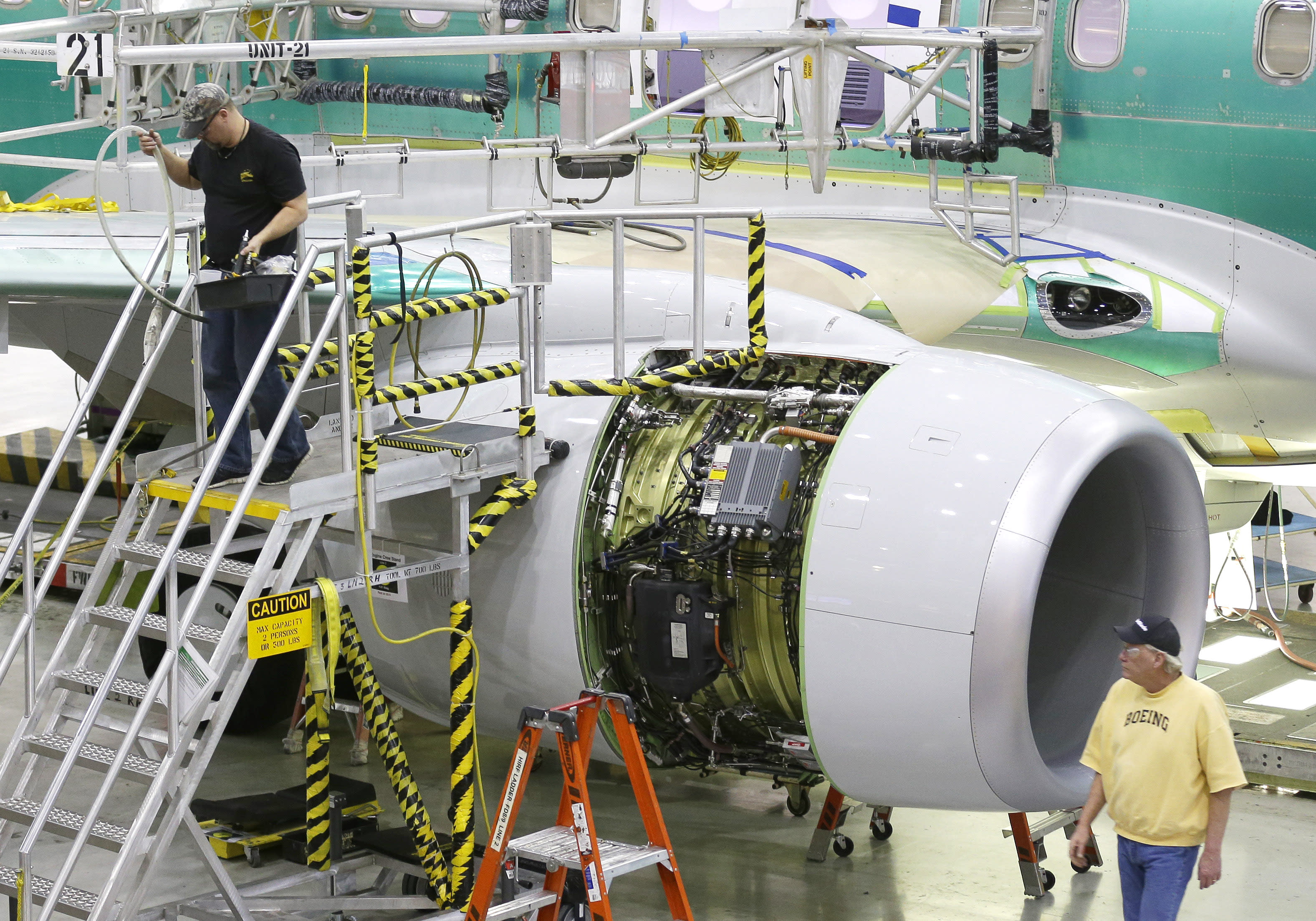 Demand for airplanes lifts Boeing's 4Q profit