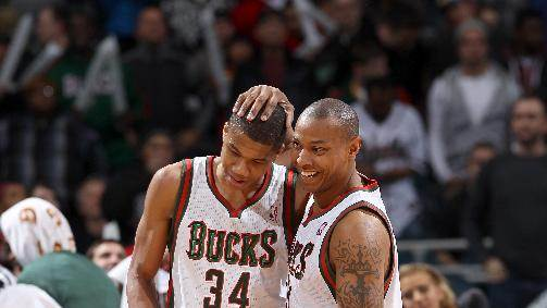 Wolters hits big 3 for Bucks in win over Magic