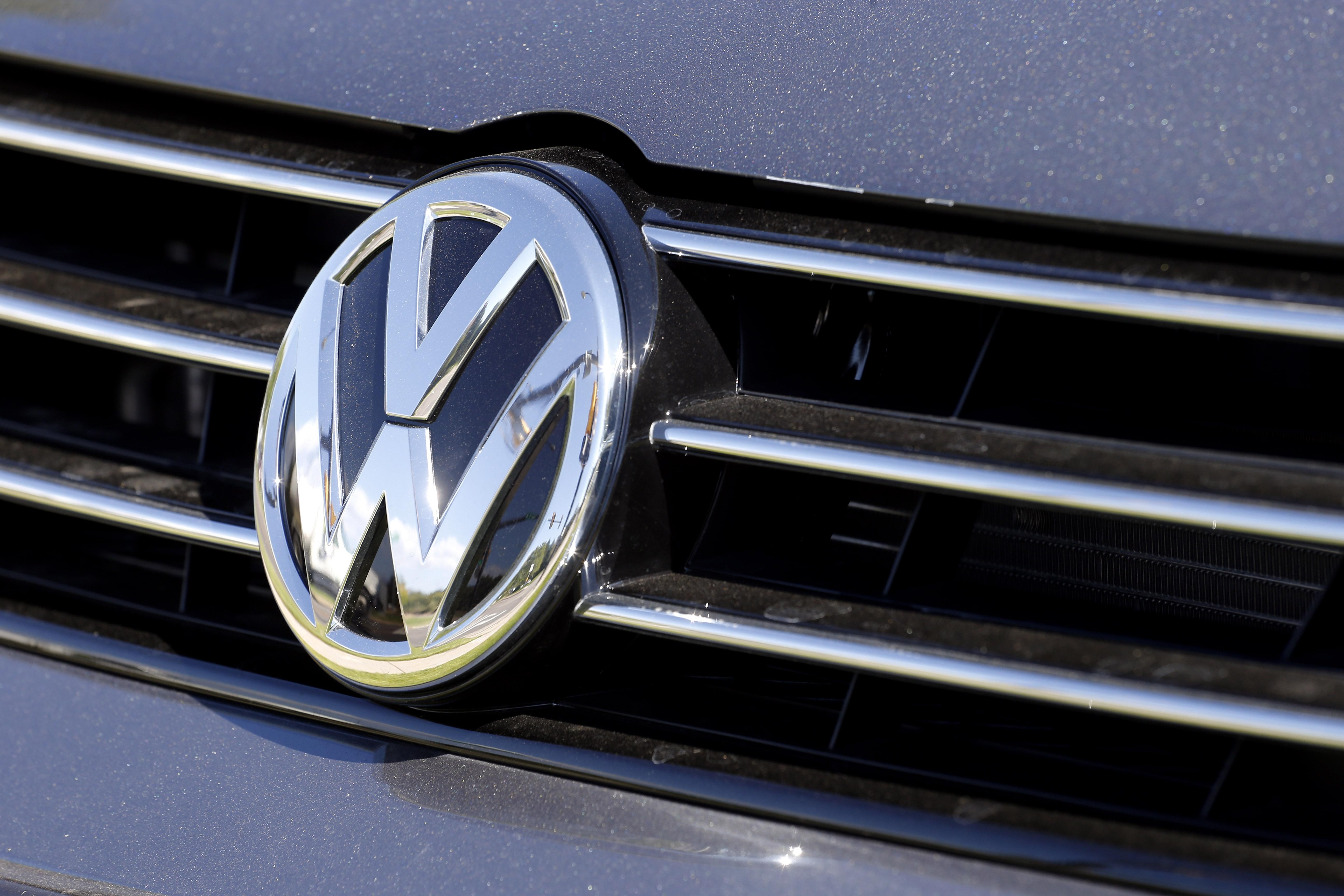 VW brand to cut investment, change diesel technology