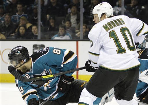 Sharks pass Stars in playoff race with 3-0 win