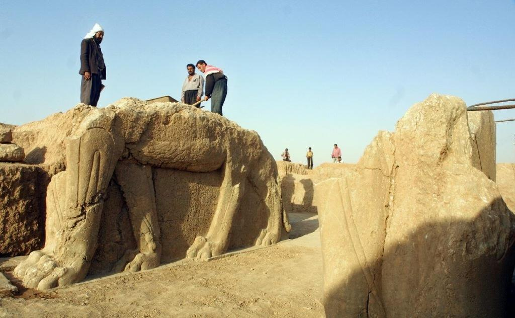 Widespread outrage after IS bulldozes ancient Iraq city