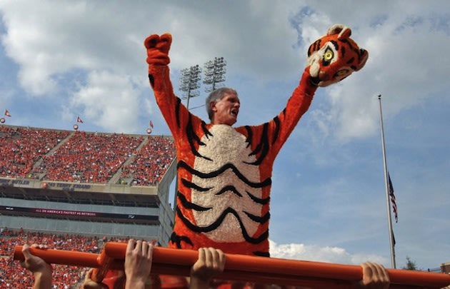 the in pushups does president costume Clemson's mascot