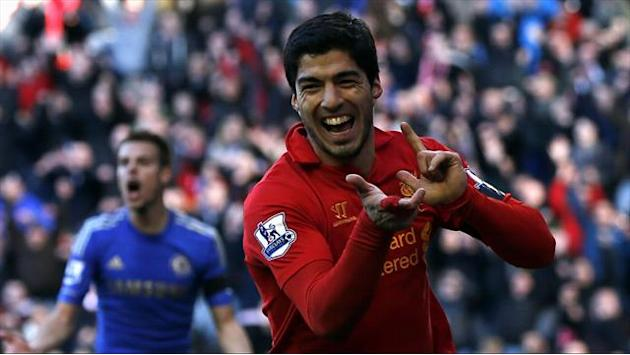 Premier League - Luque stands up for 'good guy' Suarez