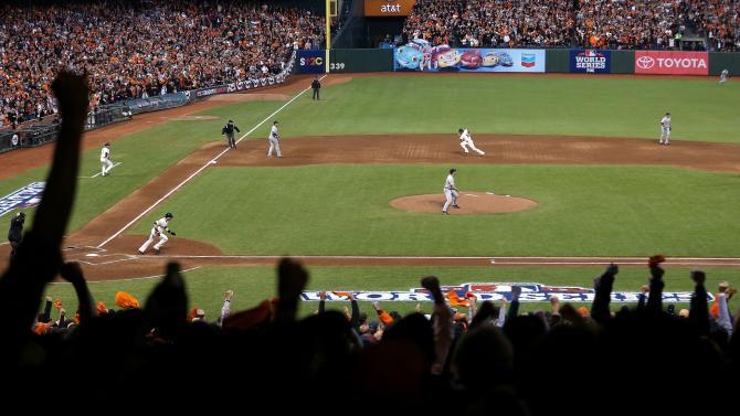 World Series - Detroit Tigers v San Francisco Giants - Game 1
