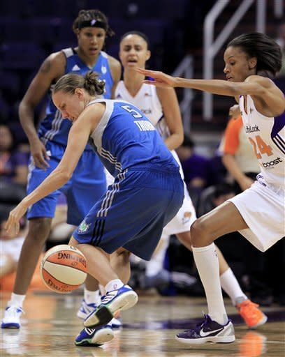 Whalen scores 29 as unbeaten Lynx beat Mercury