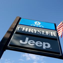 Chrysler Is Giving Its Dealership Workers Free College Tuition