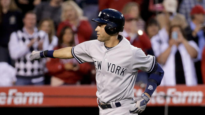 Jeter homers in Angel Stadium swan song