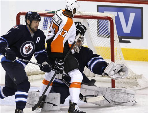 Jets surge past Flyers 4-1