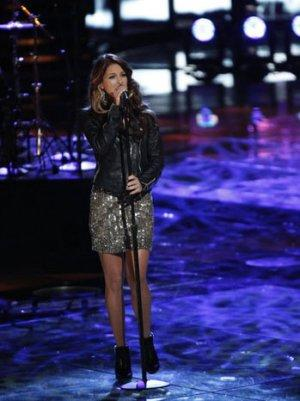 'Voice' Winner Cassadee Pope to Tour With Rascal Flatts