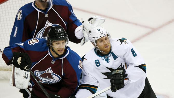 Niemi has 31 saves as Sharks top Avalanche, 3-2