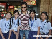 Riteish hosts BALAK PALAK special screening for school students