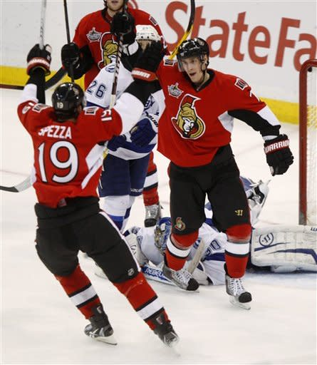 Alfredsson leads Senators past Lightning 4-1