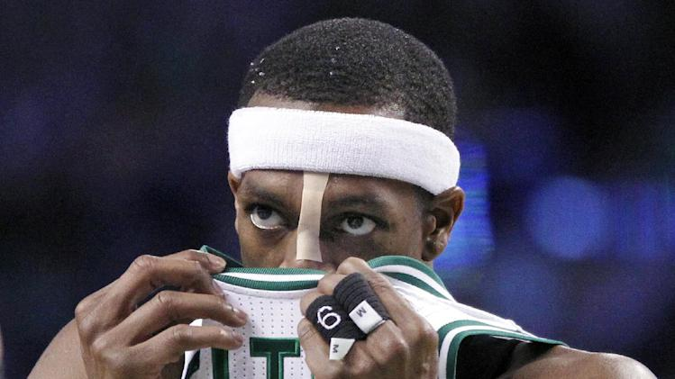 Rajon Rondo has been warned for a hilariously obvious flopping …
