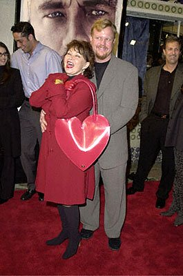Premiere: Roseanne is valentined out for her man at the Westwood premiere of 20th Century Fox's Cast Away - 12/7/2000