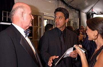 "Peter Boyle, Ray Romano Outstanding Comedy Series ""Everybody Loves Raymond"" 55th Annual Emmy Awards - 9/21/2003"