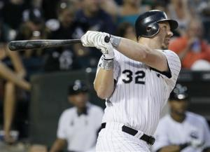 White Sox back Floyd with 3 HRs in win over Twins