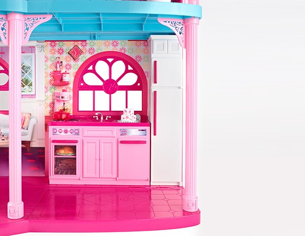 Barbie Dreamhouse in Malibu: photos from the $25 million property listing kitchen