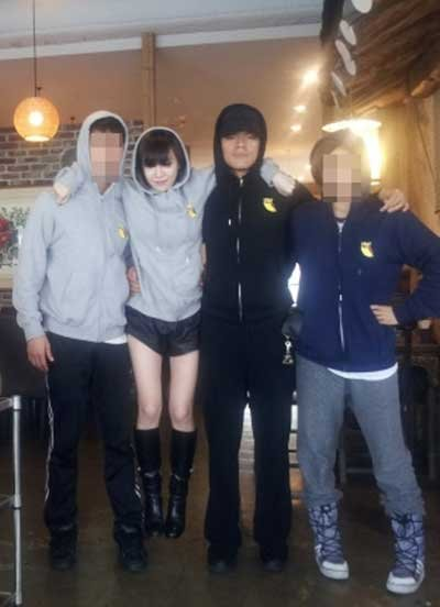 Brown Eyed Girls' Gain Gifts Park Jin Young With a Full Practice Outfit