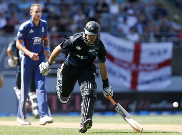 Ross Taylor of New Zealand makes his ground against England during the final cricket match of their ODI in Auckland