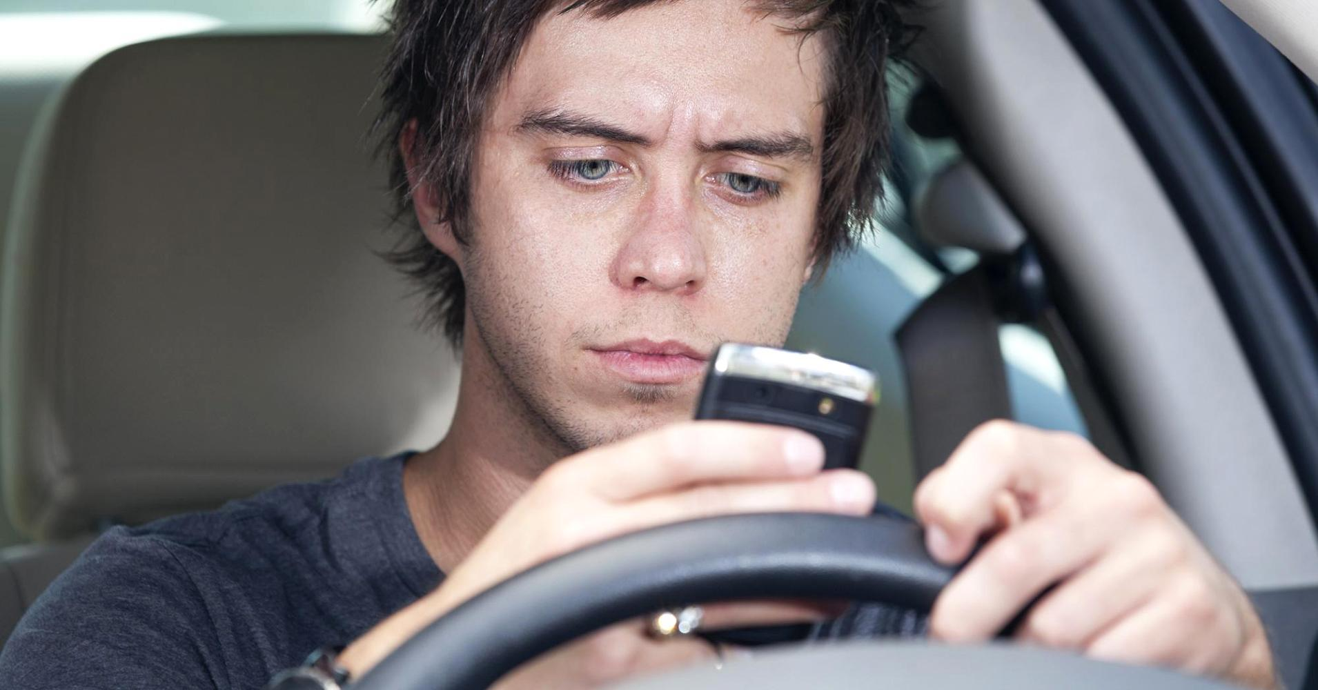 6 in 10 teen crashes involve distracted driving