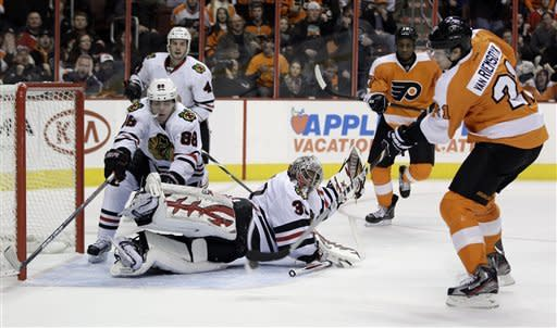 James van Riemsdyk leads Flyers over Blackhawks