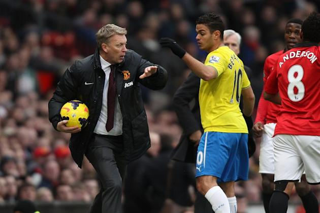 Defiant David Moyes insists Manchester United are still in title race