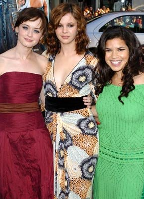 Premiere: Alexis Bledel, Amber Tamblyn and America Ferrera at the Hollywood premiere of Warner Bros. Pictures' The Sisterhood of the Traveling Pants - 5/21/2005